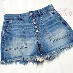 NWT FREE PEOPLE Midlands Distressed 5 button short